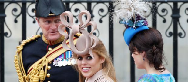 Las princesas Beatriz Y Eugenie aman lucir extravagantes sombreros