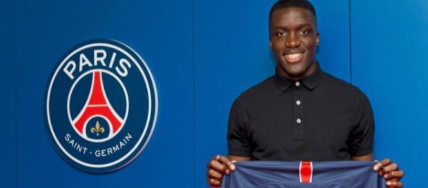 Stanely Nsoki vient de signer son premier contrat pro avec le PSG, sous fond de polémique