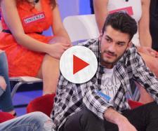 Uomini e Donne, Lorenzo Riccardi offeso da una corteggiatrice