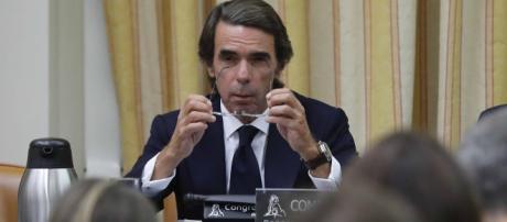Aznar aceptó el cuerpo a cuerpo de sus rivales