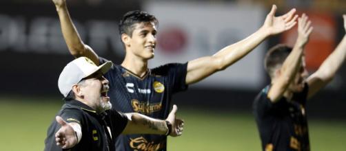 Diego Maradona tuvo un debut soñado en el Dorados de Sinaloa ... - com.ar