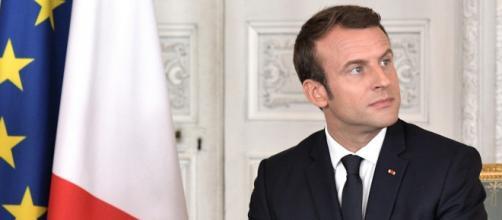 Macron tancé par le jeune chômeur qui l'a abordé
