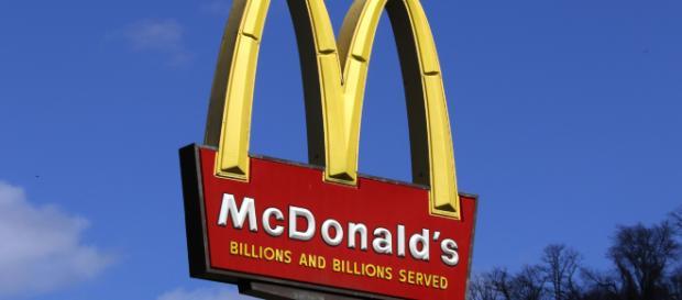 Empleados de McDonald's se van a huelga por el acoso sexual que sufren dentro de la compañía