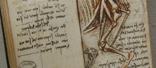 A page from one of da Vinci's notebooks. [Image Source: 'BONES' by Leonardo da Vinci - Flickr]