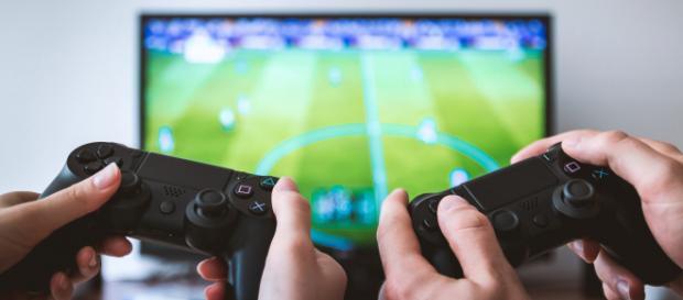 """Videogiochi """"proibiti"""" in Cina, il mercato collassa"""