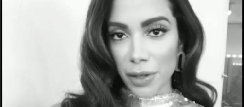 Anitta mandou um recado para os fãs, a comunidade LGBT e também para os políticos