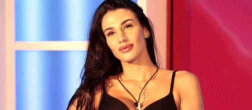 Gossip: Fabrizio Corona sarebbe tornato single per 'colpa' di Patrizia Bonetti del GF.