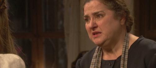 Il Segreto, trame: Consuelo offende pesantemente il carnefice di Alfonso e Emilia