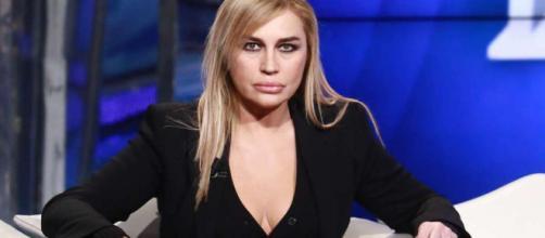 Lory Del Santo a Verissimo: 'Mio figlio Loren si è tolto la vita, ma andrò al GF VIP'.