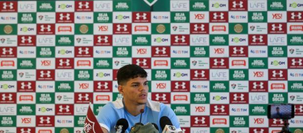 Com Ayrton Lucas na lateral-esquerda, Flu encara o Deportivo Cuenca pela Sul-Americana (Foto: Lucas Merçon)