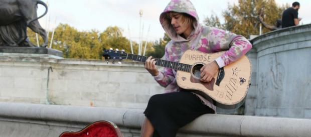 Justin Bieber sorprendió a Hailey Baldwin con una romántica serenata
