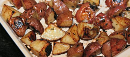 Soy roasted potatoes - [kae71463 / Flickr]