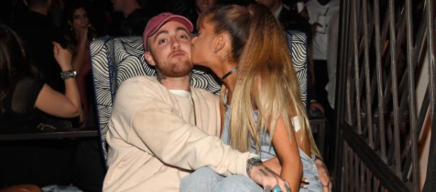 Depuis la mort de Mac Miller, la chanteuse Ariana Grande est la cible d'internautes la rendant responsable de sa mort.