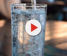 Acqua minerale ritirata per disposizione del Ministero della Salute (Ph. ExplorerBob - Pixabay.com)