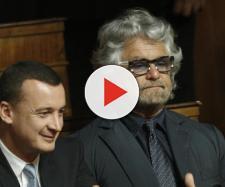 Rocco Casalino insieme a Beppe Grillo: il M5S vuole il reddito di cittadinanza