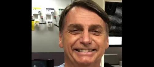 Bolsonaro afirmou em vídeo que espera ter alta do Hospital Albert Einstein em breve (Crédito: Twitter/Jair Bolsonaro)