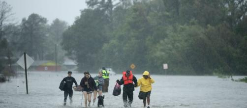 El huracán Florence dejó varios fallecidos en EEUU. - la-razon.com