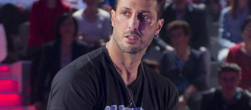 Fabrizio Corona si confessa a Verissimo sugli amori più importanti della sua vita.