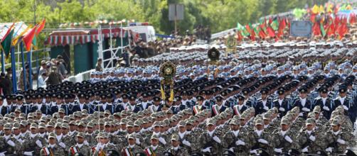 Iran: parata militare della Giornata Nazionale delle Forze Armate.