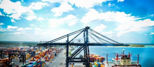 La OMC advierte que EEUU y China deben mejorar sus relaciones comerciales. - americaeconomia.com
