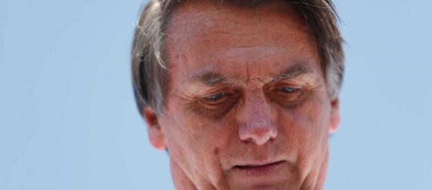 Bolsonaro é esfaqueado em Juiz de Fora, sul de Minas.