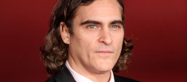 Joaquim Phoenix, mais conhecido como o novo coringa.