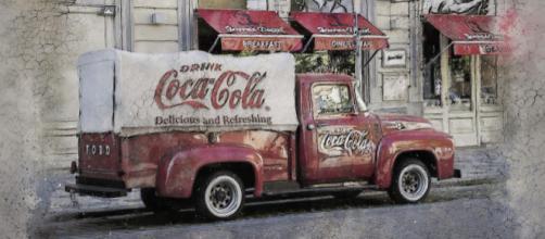 Coca-Cola's original formula contained cocaine. [image source: Brigitte Werner - Pixabay]