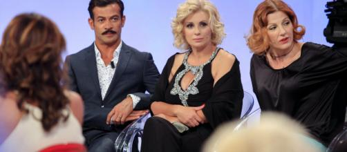 Uomini e Donne trono classico, Gianni Sperti e Tina compensi