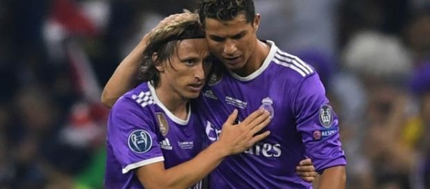 Modric y Ronaldo, dos jugadores estrella del fútbol internacional.