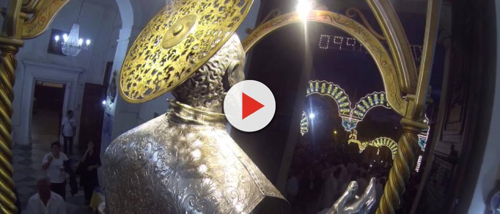 San Filippo d'Agira, il Santo che suda per i migranti siriani ma la Curia chiede cautela