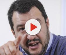 Matteo Salvini è soddisfatto: oggi si discutono in CDM i decreti su sicurezza e immigrazione.