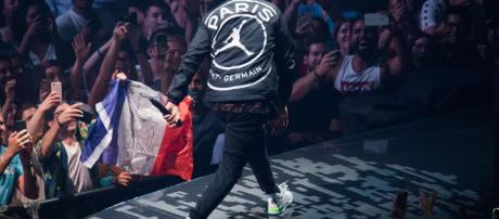 Justin Timberlake Wears PSG x Jordan Jacket at Paris Gig - SoccerBible - soccerbible.com