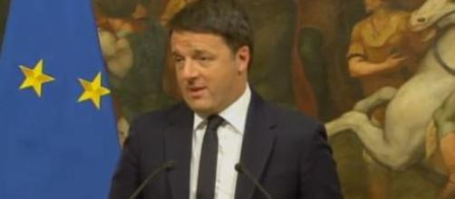 Matteo Renzi attacca Conte, Di Maio e Salvini per la sovraesposizione della loro fede.