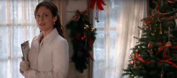 Erin Krakow, of When Calls the Heart, is in a fall mood and getting ready for a busy Christmas season. [Image source: Hallmark Channel-YouTube]