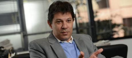 Fernando Haddad é pouco conhecido em Pernambuco, mas recebe apoio popular por estar ligado ao nome de Lula.