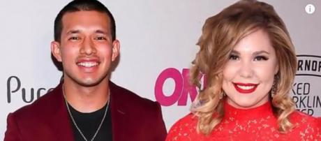 MTV reality stars Javi Marroquin and Kailyn Lowry have verbal tangle on Twitter over book. [Image Source: 24*7 UPDATES - YouTube]