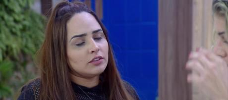 Perlla fala sobre postura de colega