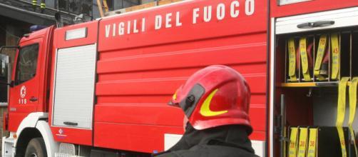 Incendio alla Sanac Massa, grave operaio - virgilio.it