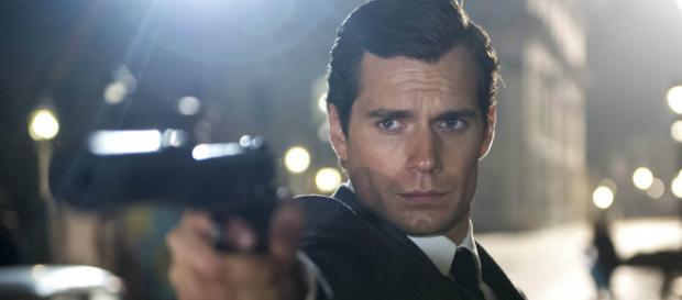 James Bond Rumor: Henry Cavill to Replace Daniel Craig After Bond 25? [Image source: ScreenRant - YouTube]