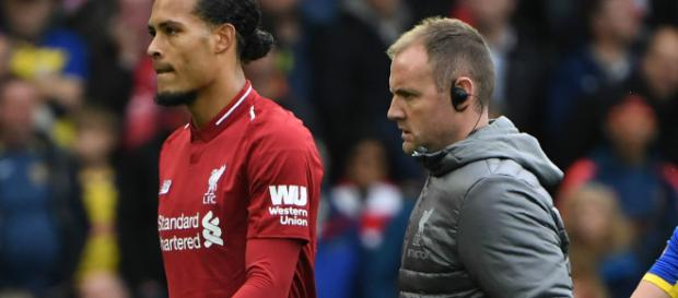 Van Dijk injury 'not too serious' according to manager Jurgen Klopp (Image via sportingnews/Twitter)
