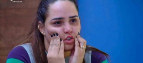 Perlla contou situação a quatro companheiras de confinamento