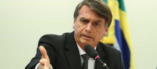 Bolsonaro é ameaçado de morte e filho posta vídeos nas redes sociais