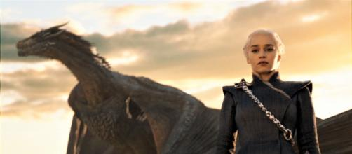 Drogon e Daenerys Targaryen em Game of Thrones