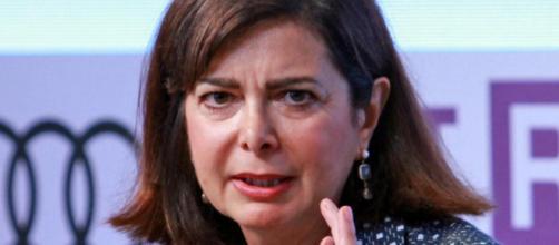Laura Boldrini minaccia di denunciare chi ha diffuso la bufala del posto del disabile sul volo Alitalia
