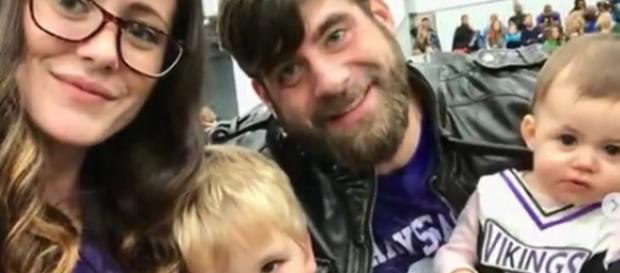 David Eason, married to MTV star Jenelle Evans, rants over Instagram deleting photos. [Image Source: 24*7 UPDATES - YouTube]