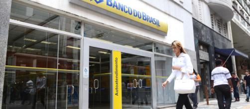 Bancos no Brasil já lucram mais de 1 bilhão de reais.