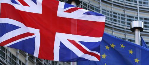 Reino Unido se suma a EE.UU al prohibir tabletas y portátiles en ... - elbilluyo.com