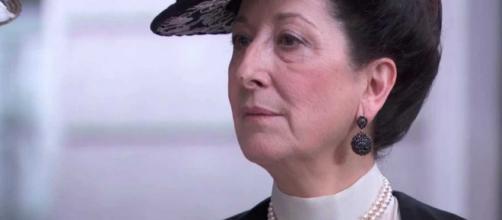 Spoiler Una Vita: Ursula presenta la figlia Blanca ai vicini ma non dice tutta la verità