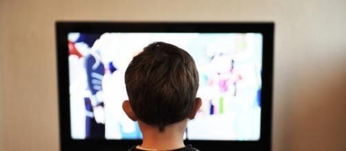 La sobreexposición de niños a pantallas es perjudicial ... - pxhere.com