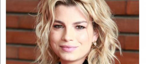 Emma Marrone: 'Se potrei stare con una donna? Io mi innamoro della testa delle persone'